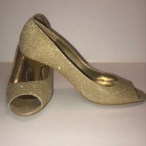 Shoes - Peep toe high hill pumps size 7 1/2 Gold